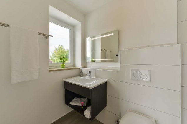 maiershotel-parsberg-erfolg-erlebnis-entspannung-modern-tagung-seminar-bayern-familie-gastfreundschaft-zimmer-room-big-grossezimmer-appartement-schlafen-komfort-comfort (10)