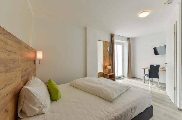 maiershotel-parsberg-erfolg-erlebnis-entspannung-modern-tagung-seminar-bayern-familie-gastfreundschaft-zimmer-room-big-grossezimmer-Einzelzimmer-schlafen-komfort-comfort (13)