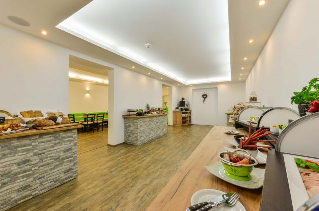 maiershotel-parsberg-erfolg-erlebnis-entspannung-modern-tagung-seminar-bayern-familie-gastfreundschaft-breakfast-fruehstueck-lecker-buffet-grosseauswahl-vielfalt (5)