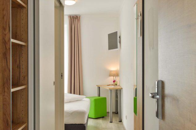 maiershotel-parsberg-erfolg-erlebnis-entspannung-modern-tagung-seminar-bayern-familie-gastfreundschaft-zimmer-room-big-grossezimmer-appartement-schlafen-komfort-comfort